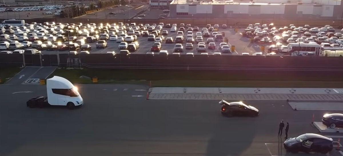 Drone flagra testes do novo caminhão Tesla na Califórnia