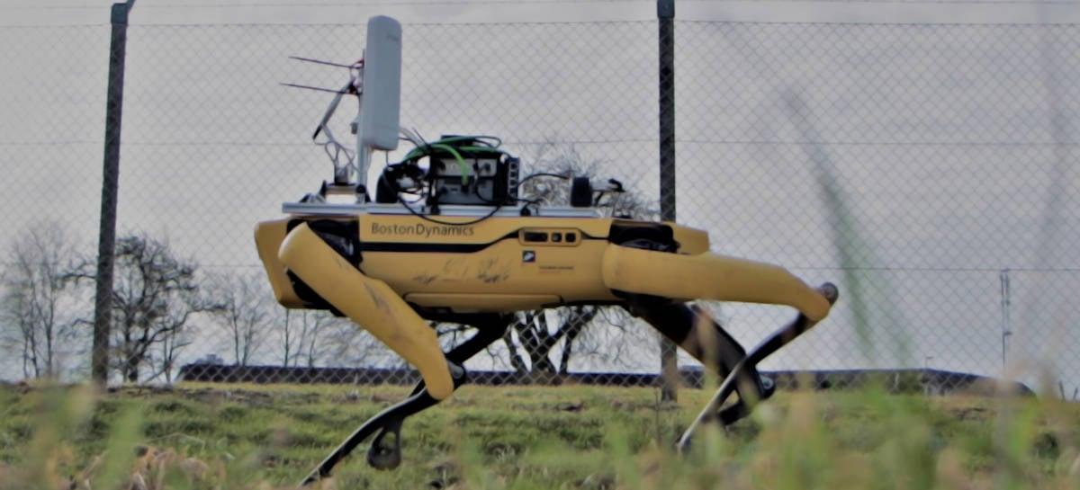 Robô Spot da Boston Dynamics recebe conexão 5G pela Ericsson em teste