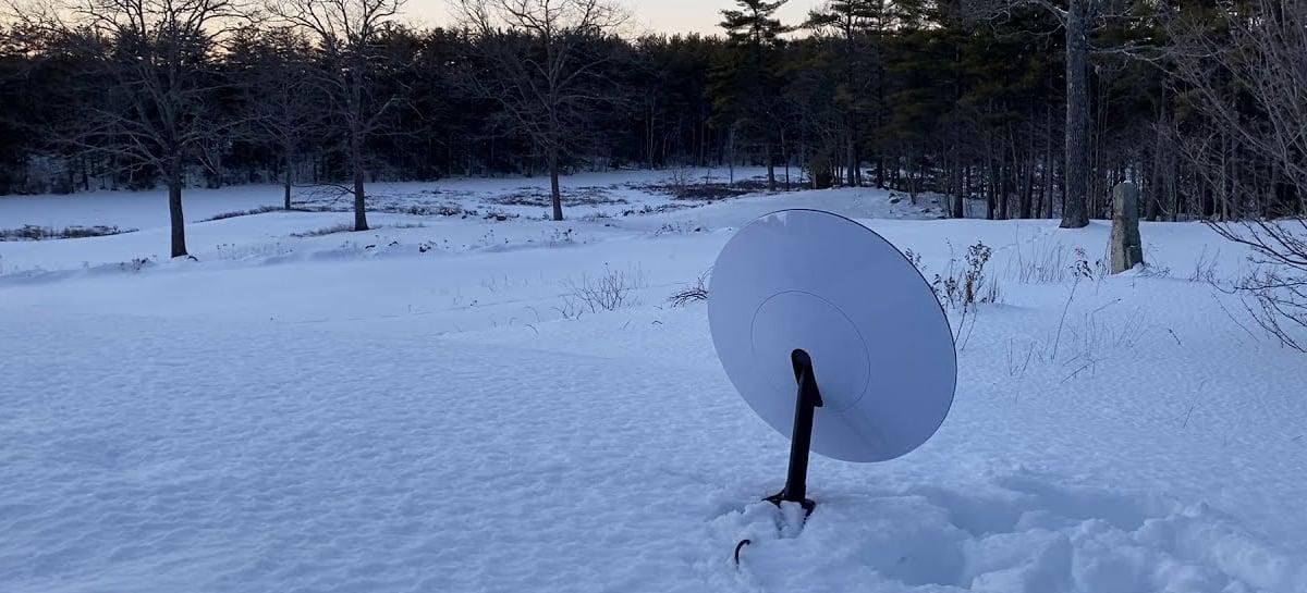 Antena da Starlink mantém desempenho estável mesmo coberta por gelo