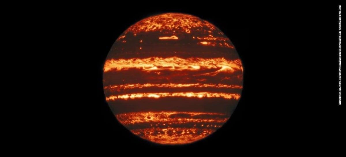 Novas imagens de Júpiter ajudam cientistas a entender grandes tempestades do planeta
