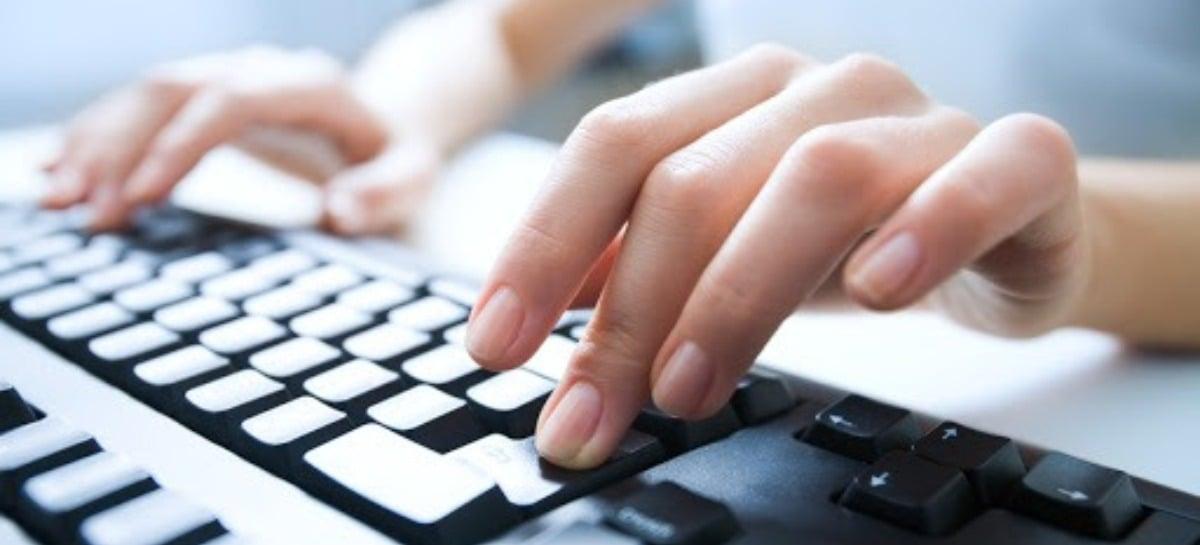 Pandemia torna computadores mais populares que celulares para acesso à web