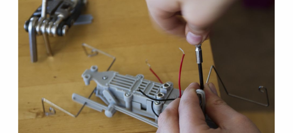 Projeto leva curso de robótica para alunos da rede pública