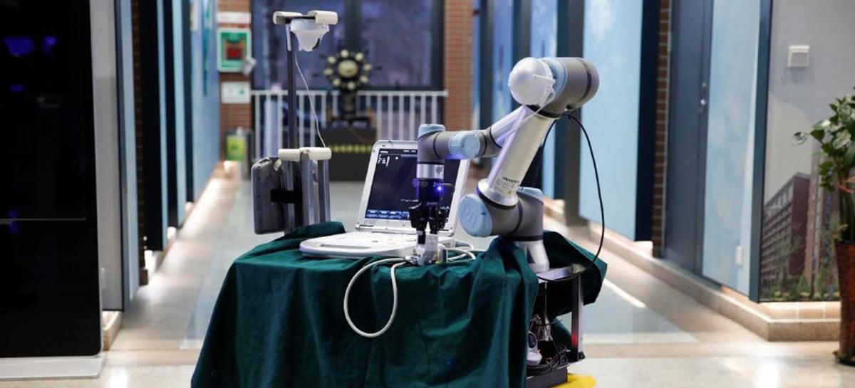 China cria robô para ajudar médicos contra o Coronavírus