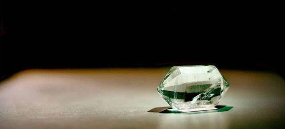 China desenvolve o vidro mais resistente que diamante, batizado de AM-III
