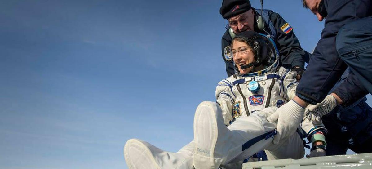 Astronauta da NASA Christina Koch retorna à Terra após recorde de permanência no espaço