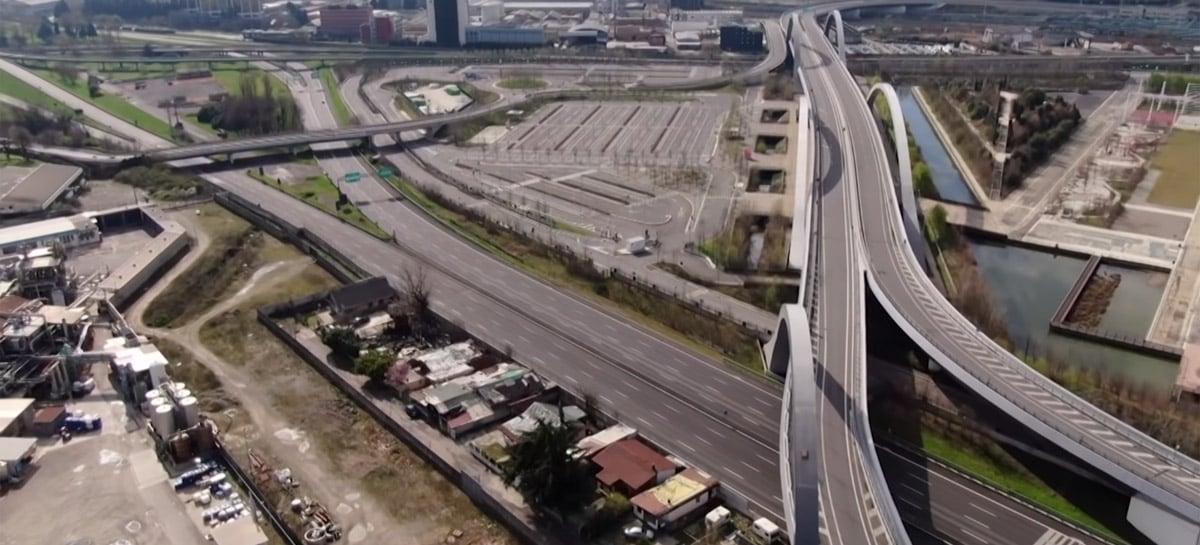 Imagens capturadas com drones mostram cidades do mundo todo em quarentena