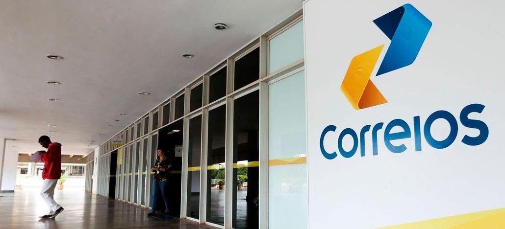Jair Bolsonaro afirma que em seu governo os Correios vão ser privatizados