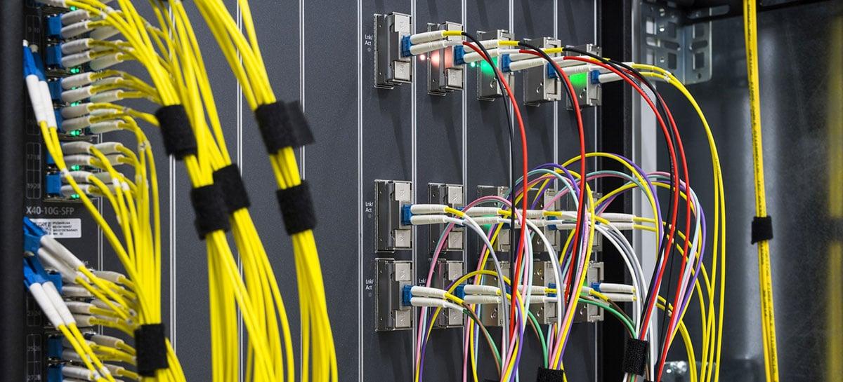Operadoras de internet estão ampliando seus limites de dados, revela DE-CIX