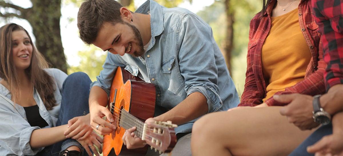 Google inclui aplicativo para afinar violão nas buscas