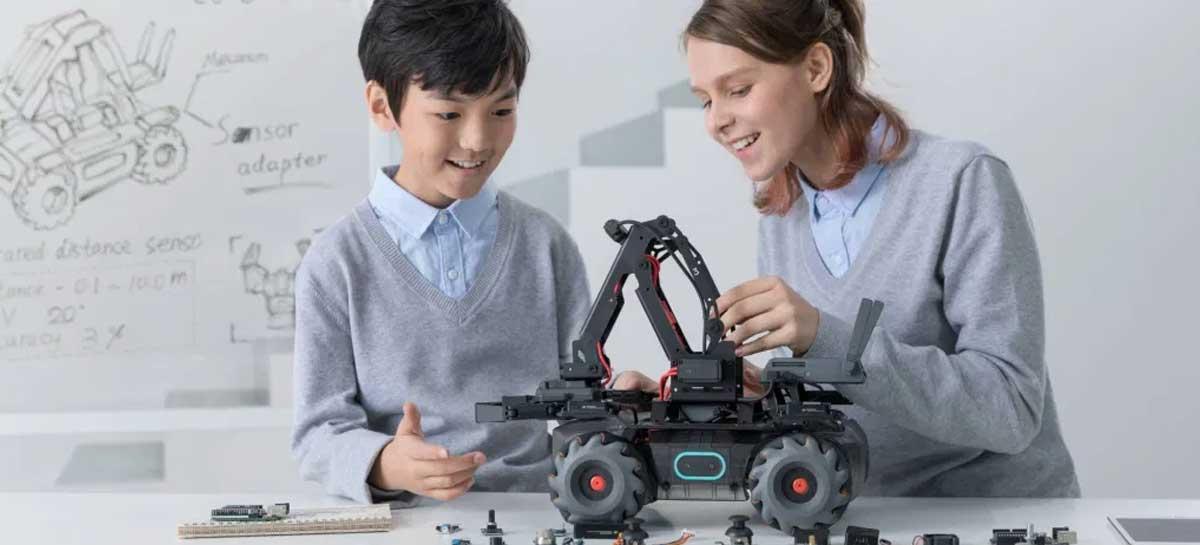 DJI lança RoboMaster EP Core, robô educacional compatível com LEGO
