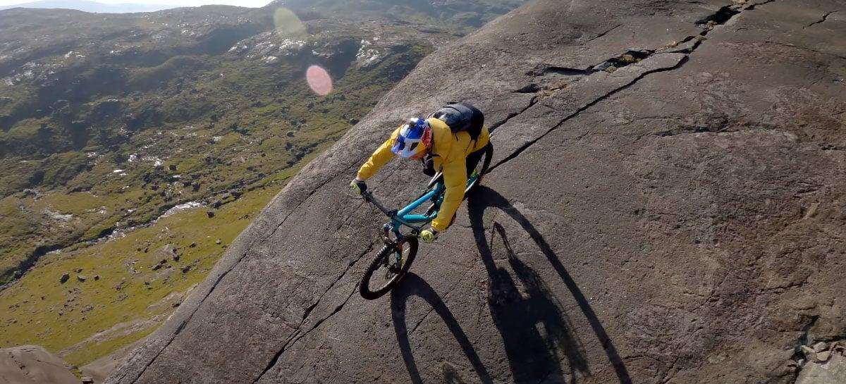 Confira vídeo incrível de ciclista nas montanhas da Escócia  - tudo gravado com drone FPV!