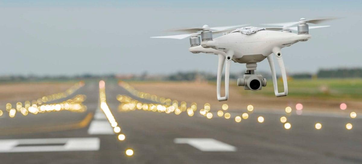 Casal ganha £ 200.000 após acusação falsa de voar com drone em aeroporto de Londres