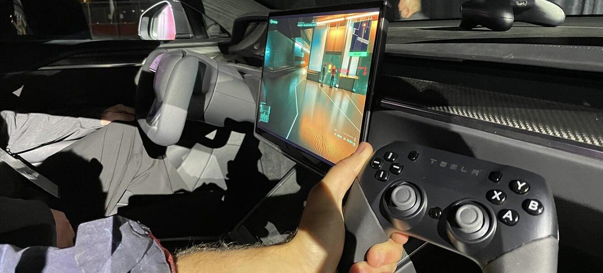 Elon Musk mostra CyberPunk 2077 rodando em Model S que usa chip AMD