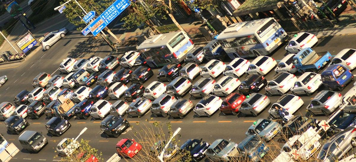 Uber e Lyft geram 70% mais poluição do que alternativas que substituem