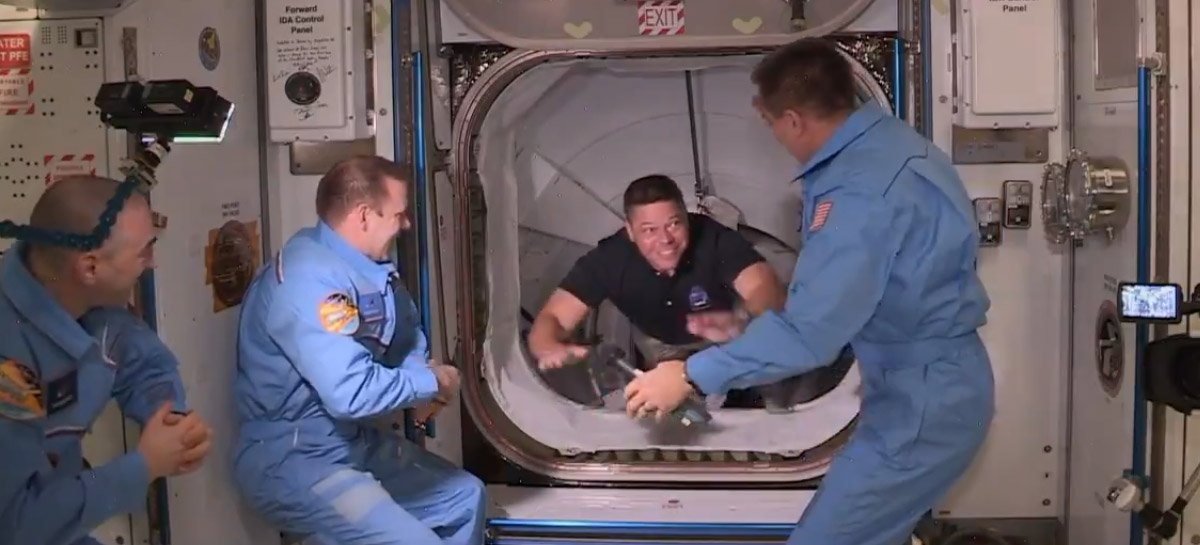 SpaceX: vídeo mostra astronautas chegando à EEI; assista