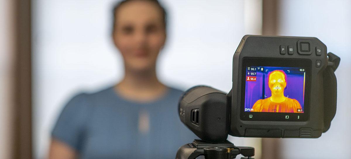 Câmeras termográficas ajudam a combater Covid-19 em aeroportos e fábricas