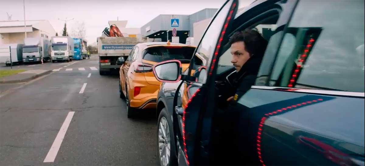 Ford desenvolve alerta para evitar acidentes com ciclistas ao abrir portas