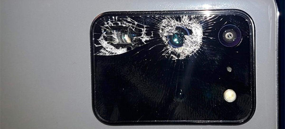 Usuários do Galaxy S20 processam Samsung por causa de vidro da câmera quebrando