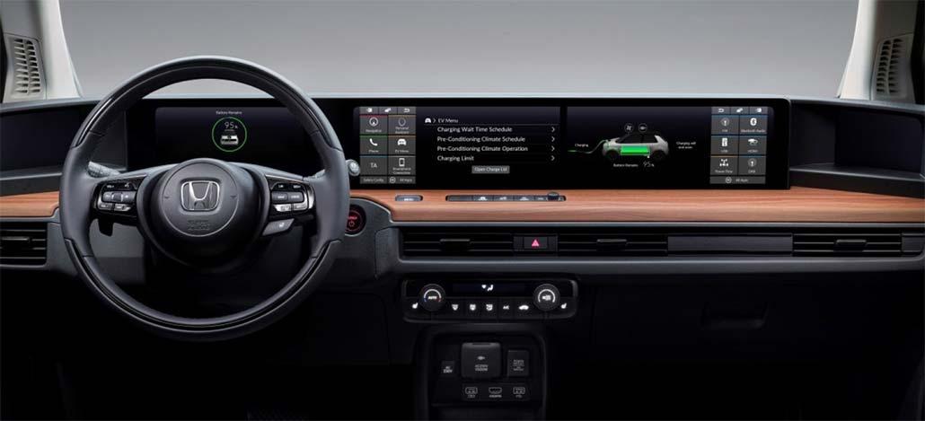 Protótipo elétrico Honda E tem touchscreen para motorista e outra para passageiro