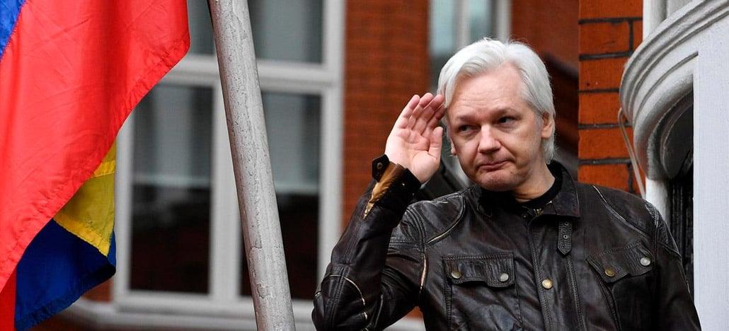Julian Assange, fundador do Wikileaks, é preso pela polícia britânica na embaixada do equador