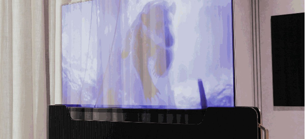 LG apresenta sua primeira Smart TV transparente, que fica camuflada em camas