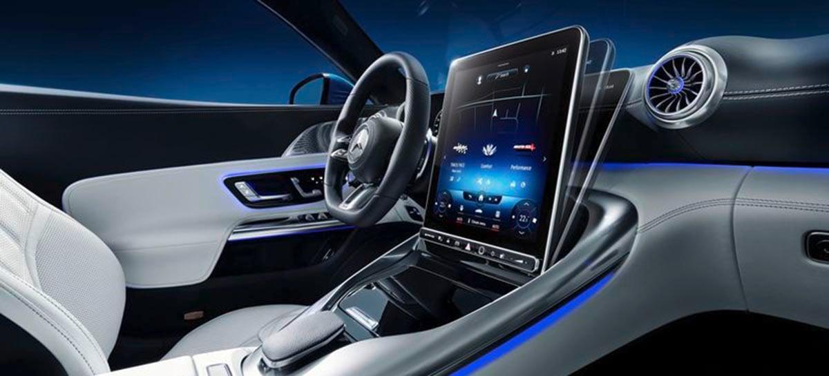 Mercedes-Benz vai lançar novo roadster com tela sensível ao toque