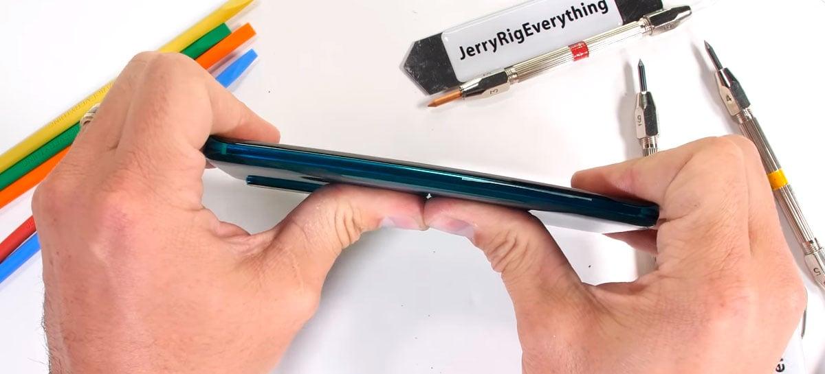 Xiaomi Mi Note 10 resiste a arranhões e queimaduras em teste de durabilidade