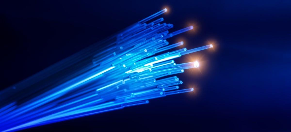 Pesquisadores atingem 44.2 Tbps através de cabo de fibra óptica padrão