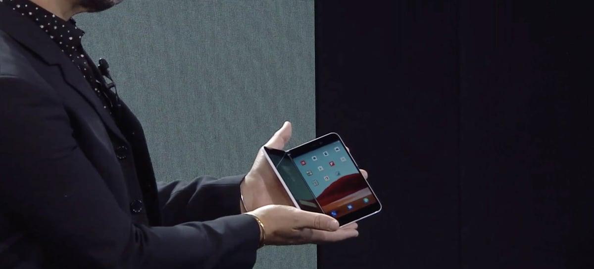 Microsoft Surface Duo é visto em público em novo vídeo