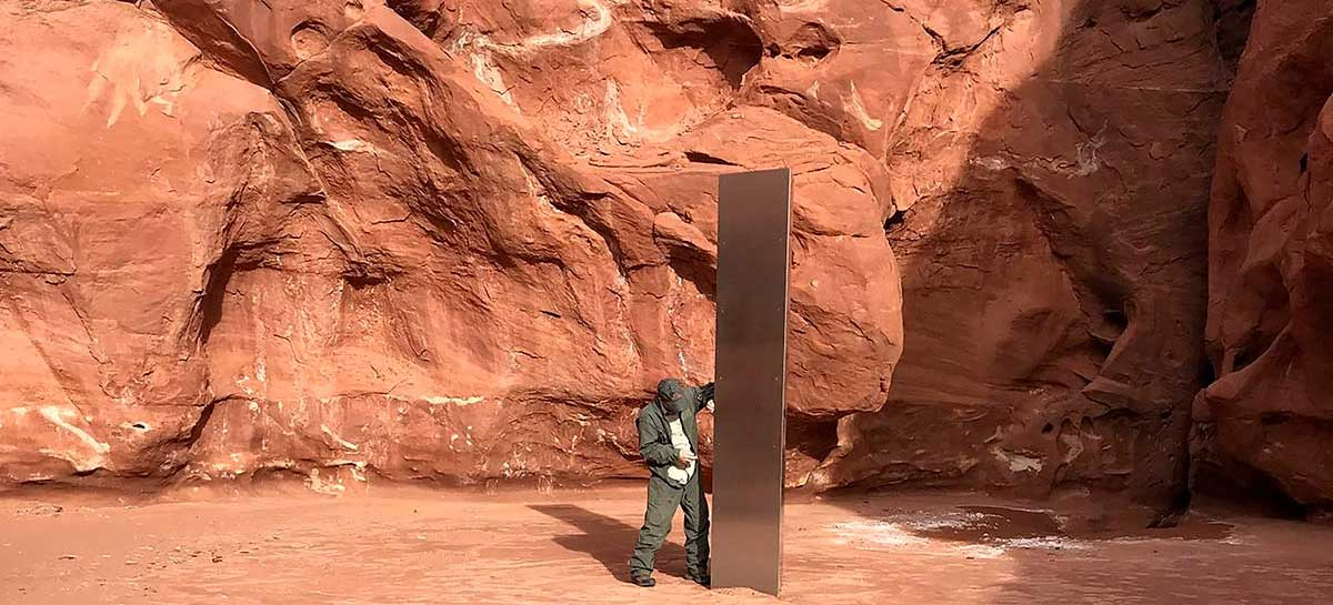 Monolito encontrado em deserto dos EUA desaparece misteriosamente