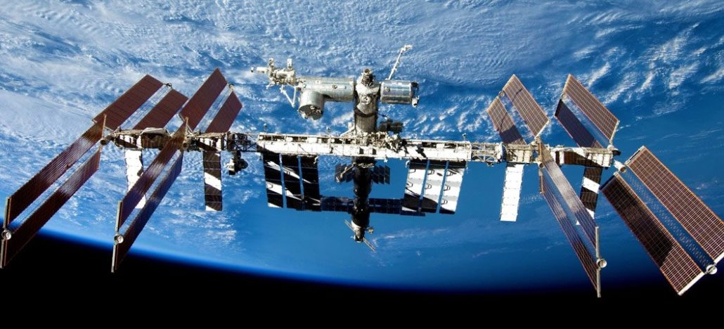 NASA declara Estação Espacial Internacional aberta para visitas comerciais também