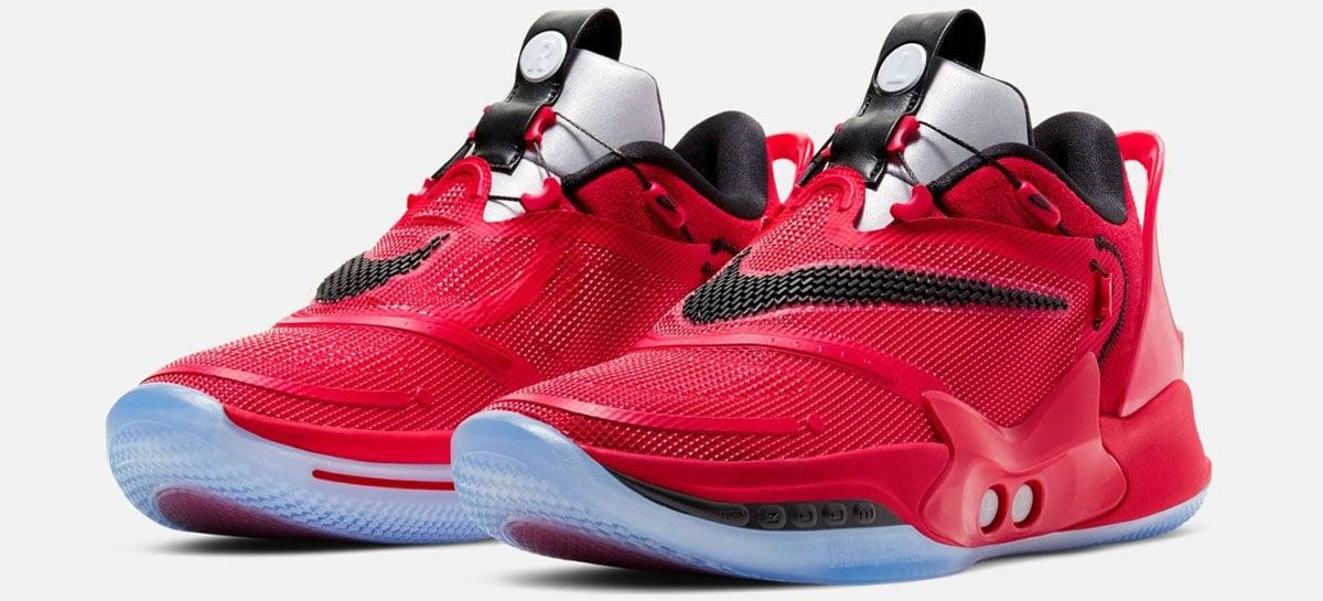 Tênis de basquete da Nike que se amarra sozinho começa a ser vendido por US$ 400