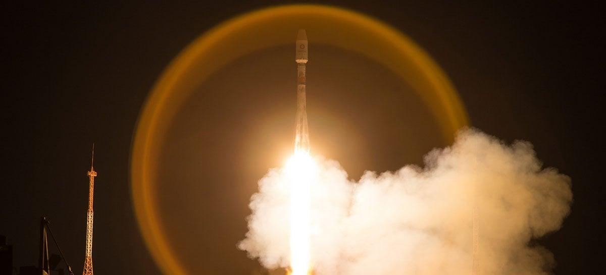 OneWeb lança mais 34 satélites de internet para a órbita da Terra