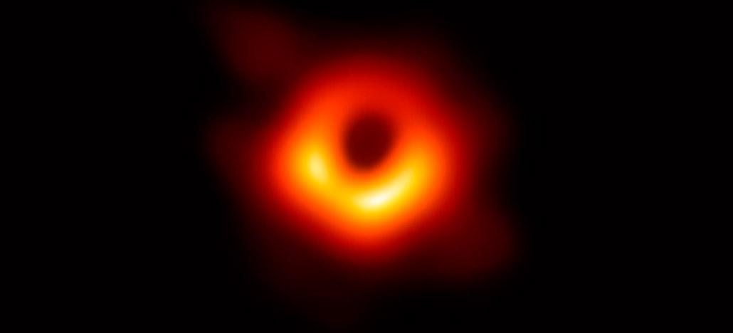 Cientistas registram o som do nascimento de um buraco negro