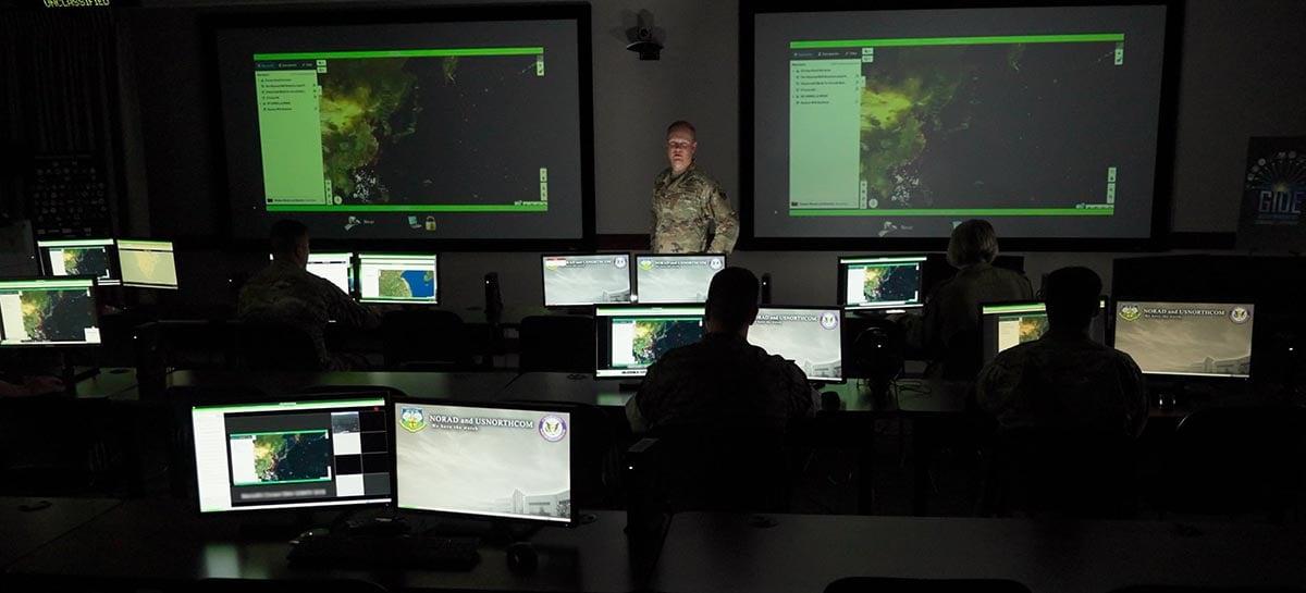"""Projeto do Pentágono envolve IA que pode prever crimes """"dias antes"""""""