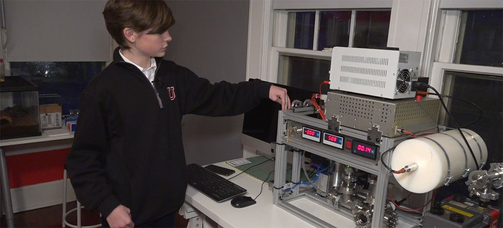 Garoto de 14 anos cria reator de fusão nuclear dentro de casa