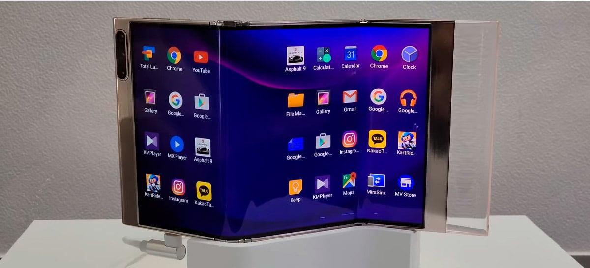 Samsung está desenvolvendo celular com duas dobras na tela; confira o vídeo
