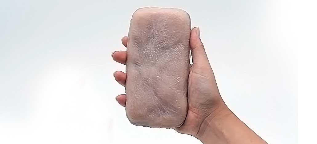 Pesquisadores criam integração entre smartphone e pele humana artificial