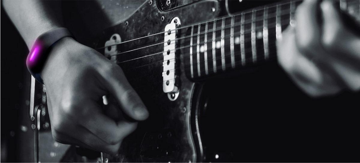 Novo vestível da Sony vai permitir controlar instrumentos musicais por gestos