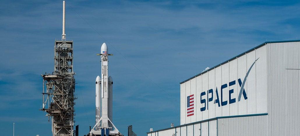 Falcon Heavy vai ser lançado hoje ao espaço para colocar um carro Tesla em órbita