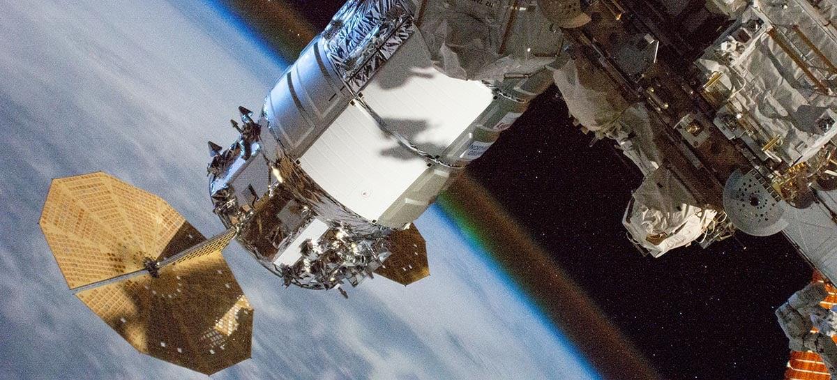 SpaceX receberá permissão de por 4.000 satélites da Starlink em órbita baixa