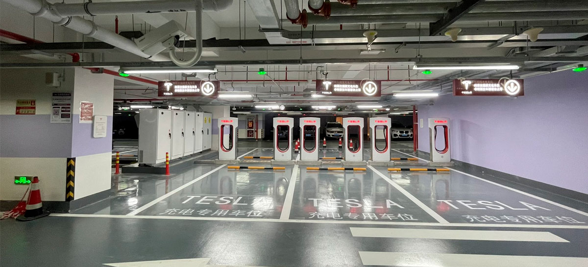 Tesla abre a maior garagem supercharger do mundo na China