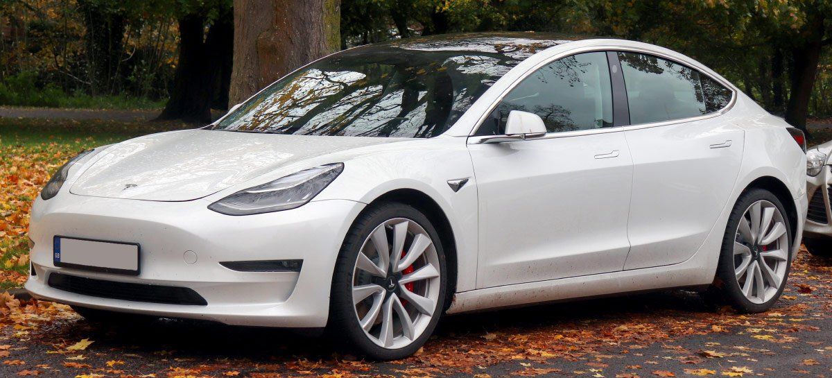 Câmeras de carro de US$ 110.000 da Tesla flagram momento em que suas portas são riscadas