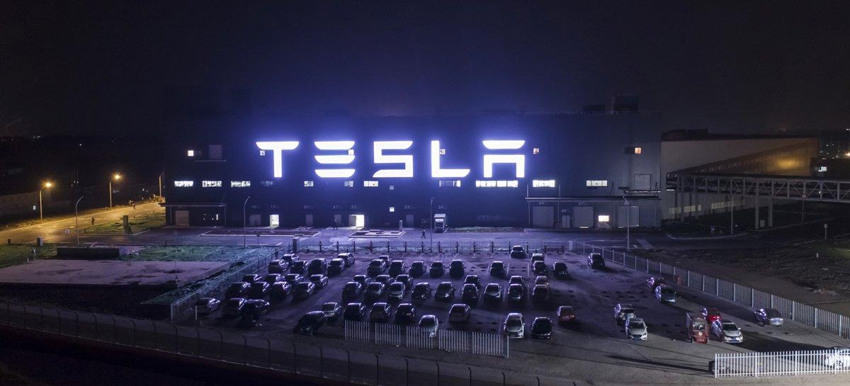 Nasdaq cai 10% em 3 pregões e ações da Tesla desabam