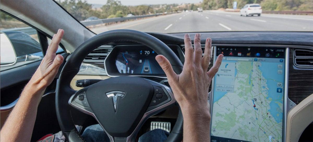 Motorista é indiciado por dormir enquanto Tesla se dirige sozinho a 140 km/h