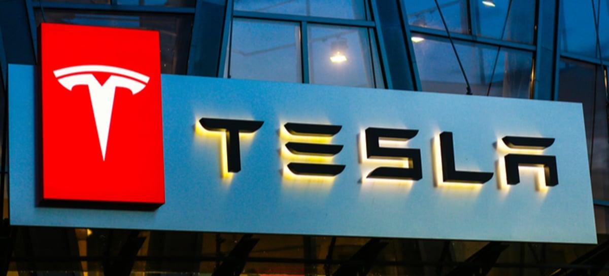 Tesla se torna a empresa americana de carros mais valiosa da história