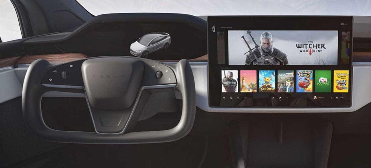 Troca de marcha pela tela dos Tesla não viola normas de segurança da NHTSA, nos EUA