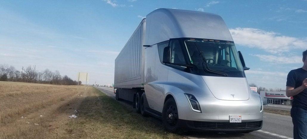 Caminhão da Tesla já está dirigindo