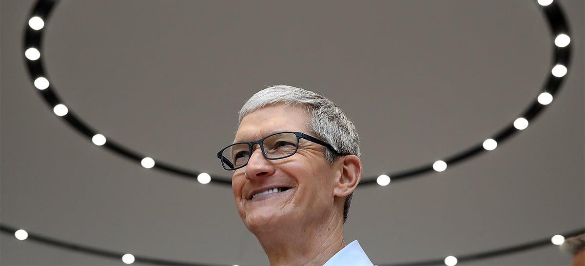 Tim Cook completa 10 anos como CEO da Apple com valores recordes de rendimento