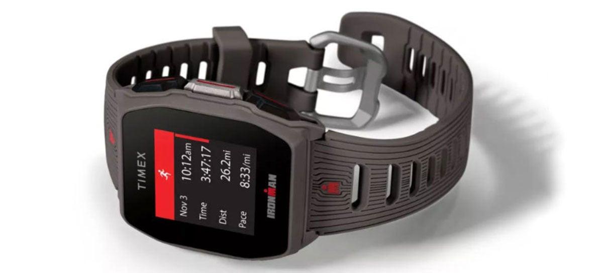 Timex Ironman R300 GPS é um smartwatch com bateria que dura 25 dias
